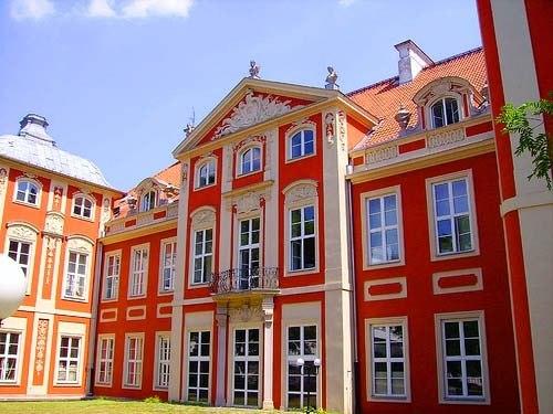Fine arts academy - panoramio
