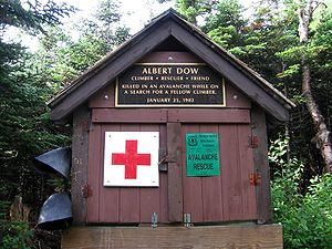 English: First Aid cache on Mt Washington. New...