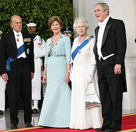 275px-First_family_and_Elizabeth_II_2007_%28outside%29.jpg