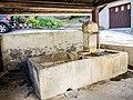 Fontaine-lavoir couverte,dans le village.jpg