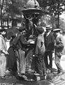 Fontaine Wallace, Paris, 1911.jpg