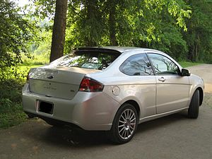 Ford Focus (second generation, North America) - 2009 Ford Focus SES coupe (note the rear roof spoiler found only on SES coupes)