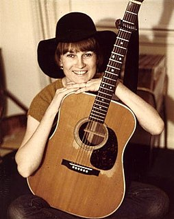 Gail Davies American singer-songwriter