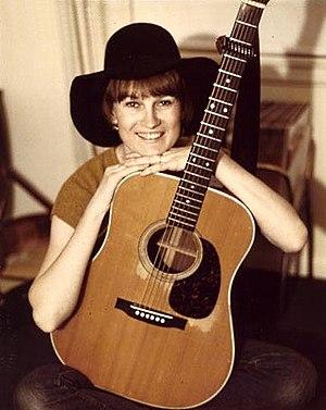 Gail Davies - Image: Gail Davies Martin Guitar 1977