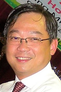 Gan Kim Yong at a PCF graduation ceremony - 20081113 (cropped).jpg