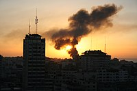 غَزّةٌه ♥ الحَبِيبَةه♥ 200px-Gaza_Burns_-_Flickr_-_Al_Jazeera_English