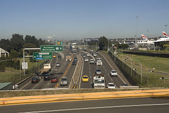 Freeways in Australia - General Holmes Drive