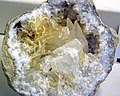 Geode with quartz, calcite, and barite (Harrodsburg, Indiana, USA) 1 (31771111984).jpg