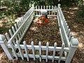 Georgia Coast Rail-Trail, Mr Johnston grave.JPG