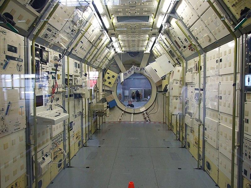 800px-German_Spacelab_03.JPG
