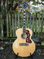 Gibson SJ200.jpg