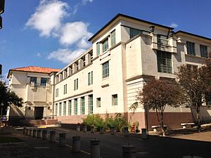 University of Texas at Austin School of Architecture - Goldsmith Hall from Inner Campus Drive