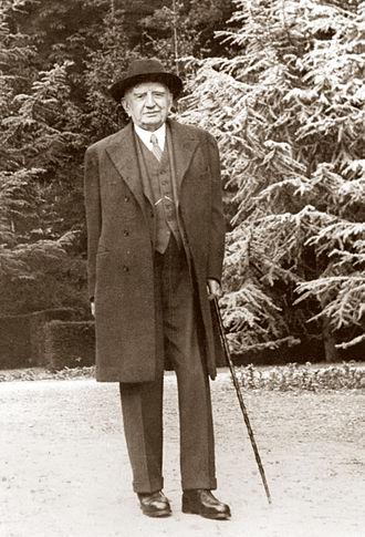 Calouste Gulbenkian - Gulbenkian at Les Enclos, his garden retreat in Deauville.