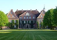 Gut Neuhaus 2014.jpg