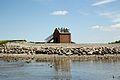 Gyldensteen Strand pumpehuset med Kaare Nico og EPO på toppen.jpg