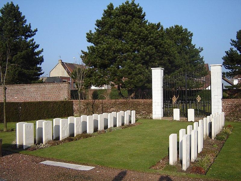 "Commonwealth war graves in Halluin. (In the CWGC records: ""Halluin Communal Cemetery""). Halluin, Nord, Nord-Pas-de-Calais, France"