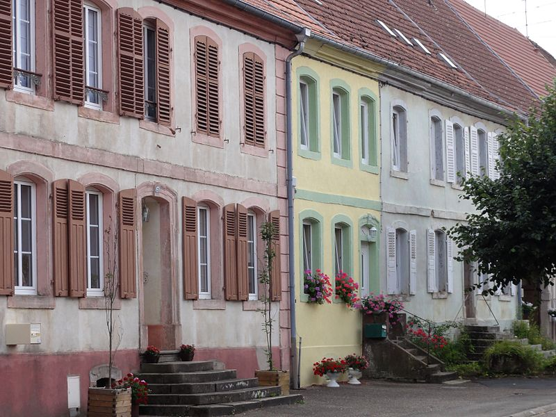 Alsace, Bas-Rhin, Harskirchen, Maisons de la rue de Fénétrange.
