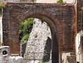 Herculaneum — Arch in the Forum (14916189611).jpg