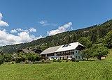 Hermagor Kraschach 3 Bauernhof SO-Ansicht 18062018 3625.jpg