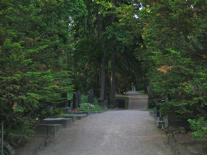 Cementerio de Heitaniemi, lugar de funerales de estado bien atendidos por las mejores funerarias.
