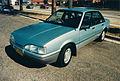 Holden Camira JE SLE (16346791025).jpg