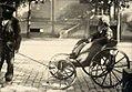 Homem idoso em pequena carruagem (1) - Vincenzo Pastore.jpg