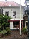 hoogoprijzend huis met rechte kroonlijst 2012-09-27 14-48-36