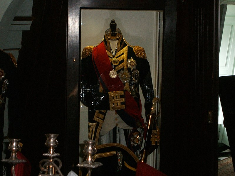 800px-Horatio_Nelson_Uniform.JPG