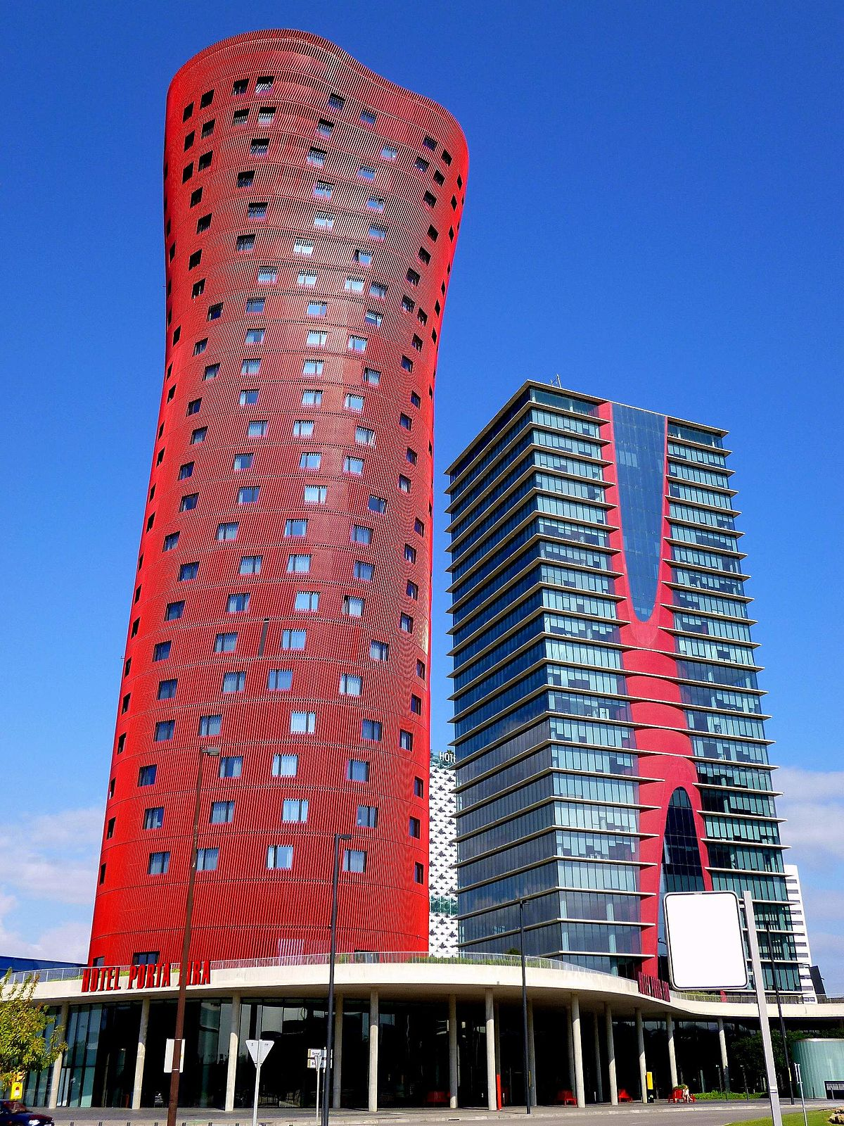 Hotels In Barcelona Near Beach And City