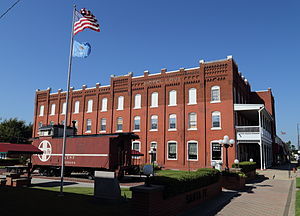 National Register of Historic Places listings in McClain County, Oklahoma - Image: Hotel Love