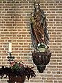 Huissen (Lingewaard) RK kerk Mariabeeld in zijkapel.JPG