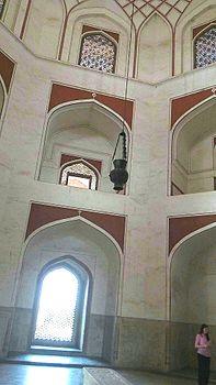 Humayun's Tomb inner view.jpg