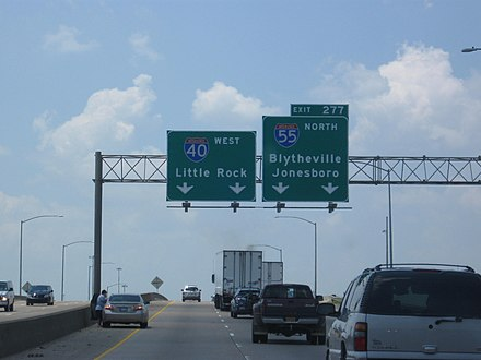 Interstate 55 splits from Interstate 40 in West Memphis. I40I55WestMemphis.JPG