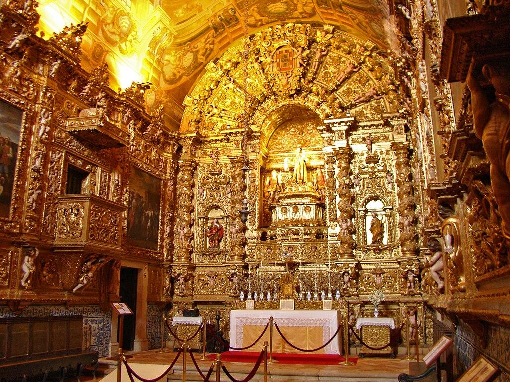 Igreja de Santo António altar area