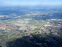 Indianapolis International Airport (16164994946).jpg