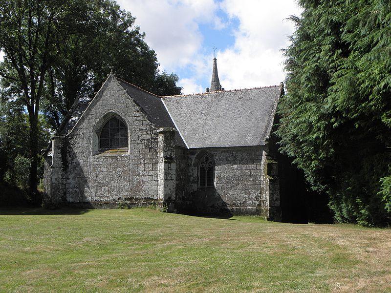 Chapelle de Locmaria, commune d'Inguiniel (56). Chevet et flanc nord.