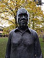 Institute of Astronomy, Statue of Sir Fred Hoyle.jpg