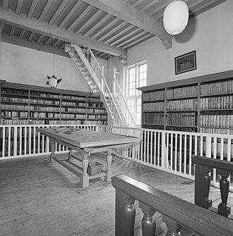 Bibliotheca Thysiana - Image: Interieur, eerste verdieping, overzicht trap naar zolder Leiden 20337185 RCE