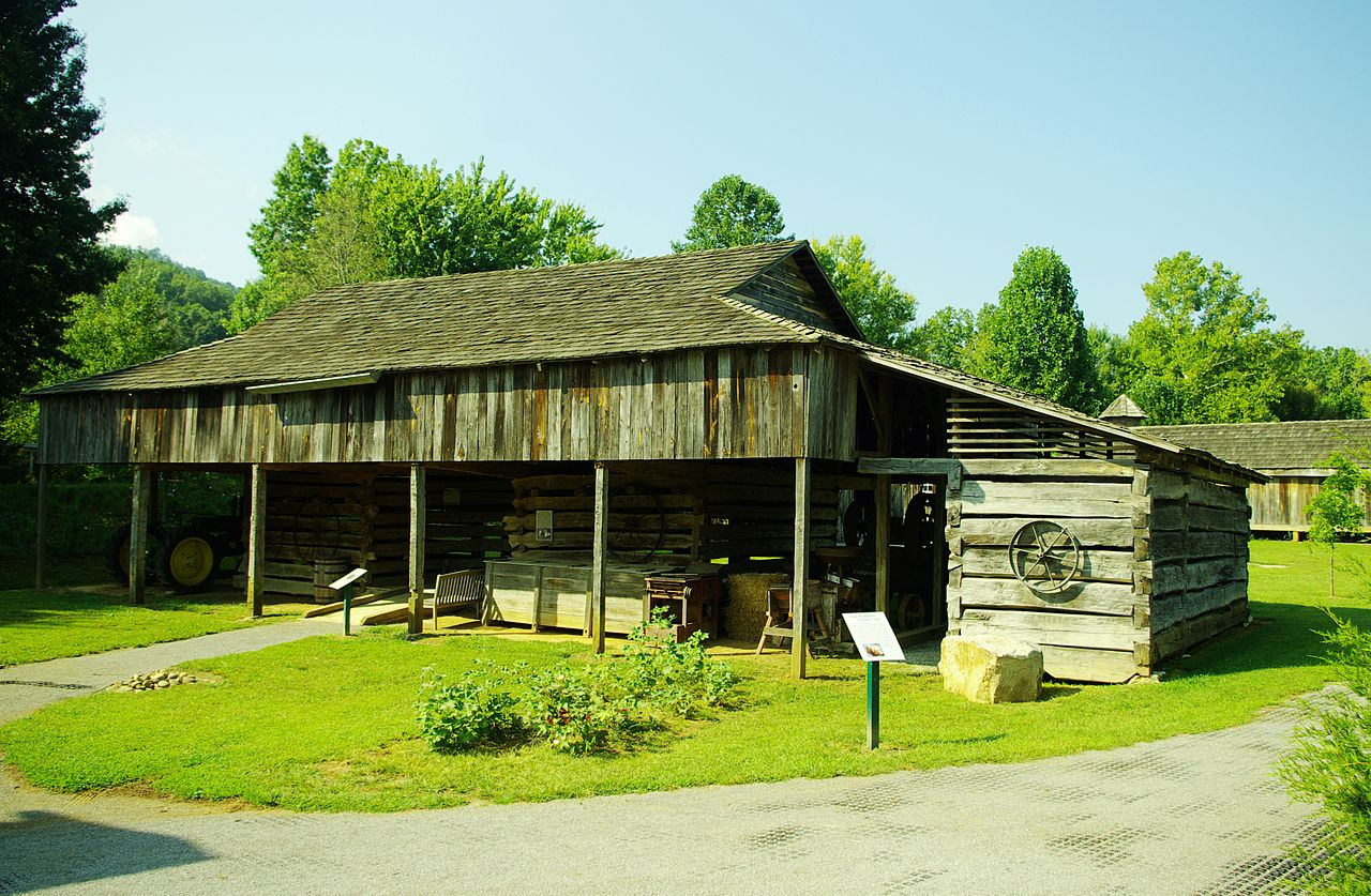 File Isaac Long Cantilever Barn Wikimedia Commons