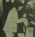 Isabel Perón votando en 1973.png