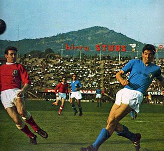 Sandro Salvadore - Salvadore (right) captain of Italy in 1965 in Florence, in action in a friendly match against Wales.