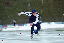 Jan Ykema skating.JPG