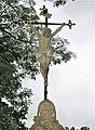Kříž u silnice nad domem 120 ve Starých Křečanech (Q104983718) 01.jpg