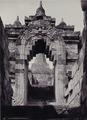 KITLV - 99868 - Kurkdjian, N.V. Photografisch Atelier - Soerabaia-Java - Gate in Borobudur in Magelang - circa 1915.tiff