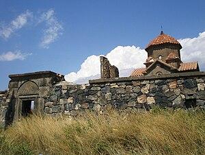 Karmravor Church - Image: Karmravor Ashtarak Walls