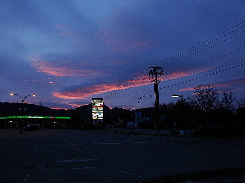 File:Kelowna ráno - panoramio.jpg