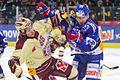 Kevin Romy (l) and Dustin Brown (r) - ZSC Lions-Genève-Servette - 16.12.2012.jpg