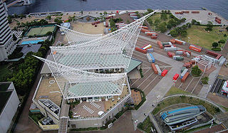 Kobe Maritime Museum-A bird's-eye view from Kobe Port Tower.jpg