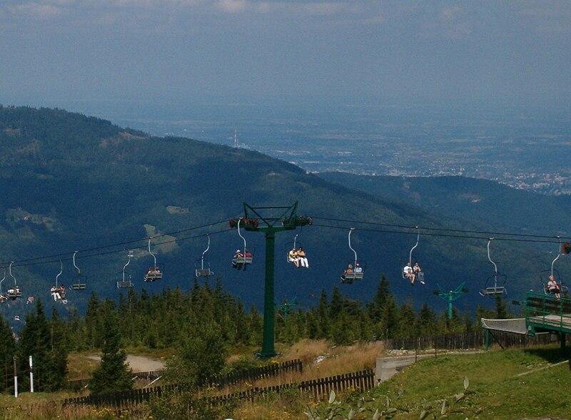 Kolej linowa na Skrzyczne w Szczyrku (autor: Mk86, licencja: CC BY-SA 3.0)