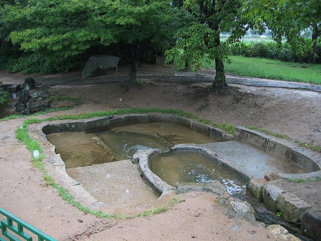 File korea gyeongju anapji pond drainage for Pond drain design